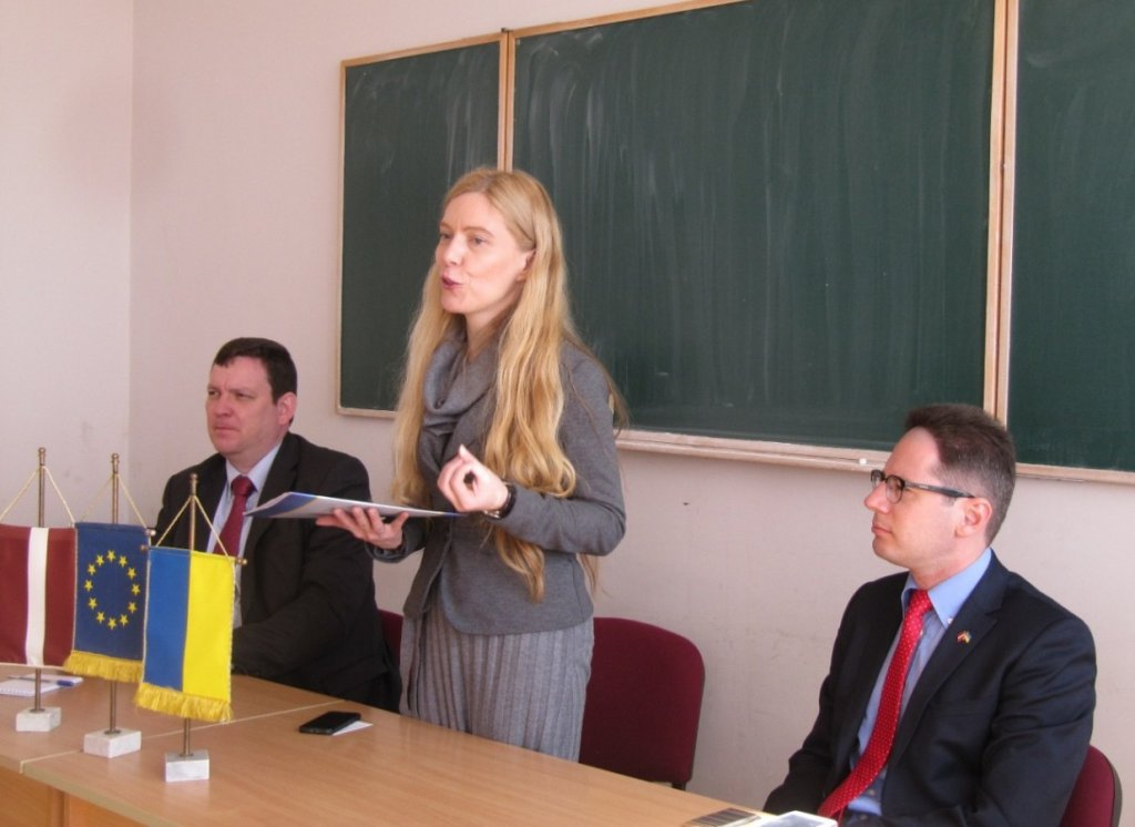 Ambassador of Latvia to Ukraine met with students of international relations of UzhNU