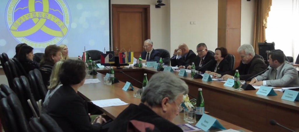 "International roundtable of experts ""Role of Visegrad countries in the context of EU transformation and global challenges of the modern world"" took place at UzhNU"