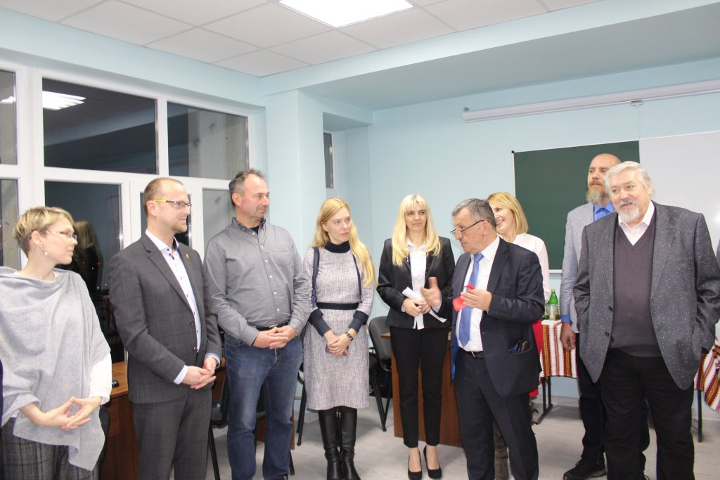Computer lab opened at the Faculty of Philology with the support of Czech partners