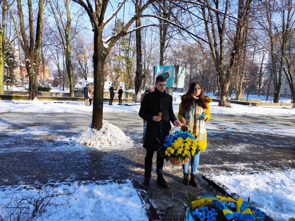 UzhNU students paid tribute to the memory of the Heavenly Hundred Heroes