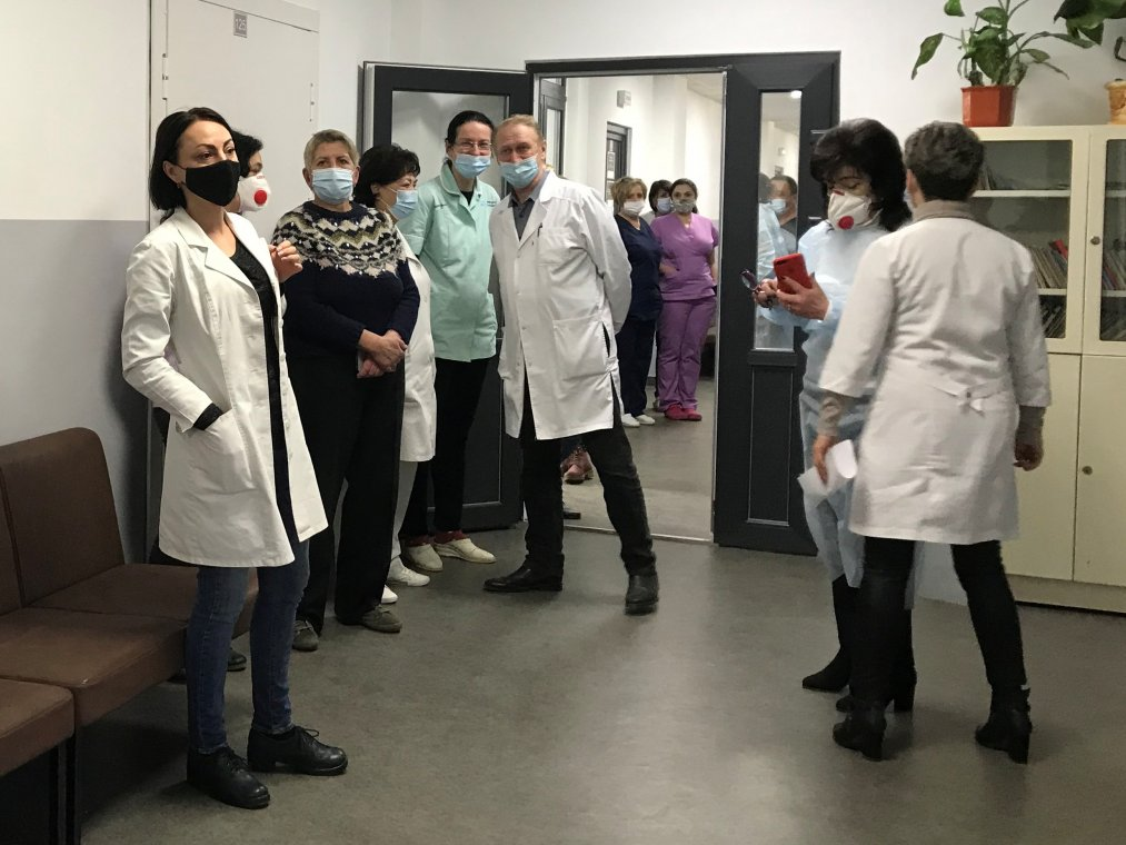 On the experience of vaccination with Covishield of the staff of the Faculty of Postgraduate Education